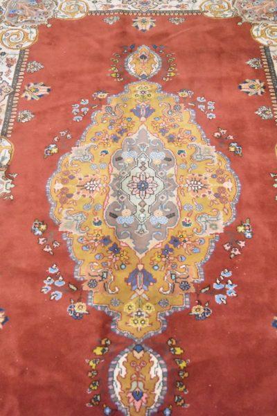 Perzisch tapijt Tabriz Tabatabai close up