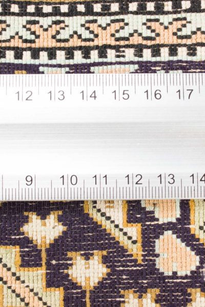 Isfahan tapijt getekend 106x175 cm9