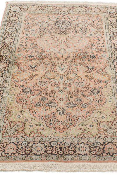 Vintage handgeknoopt tapijt zijde 94x157 cm4